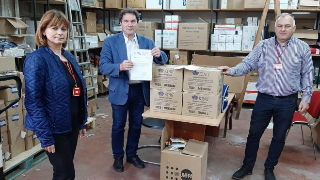 ИЗИИС со донација за Црвен крст